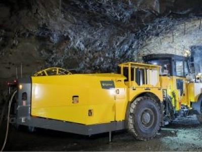 Epiroc lança sistema de resina bombeável para fixação em atirantamento subterrâneo