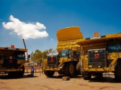 Sotreq entrega frota de caminhões 777G para a Mineração Usiminas