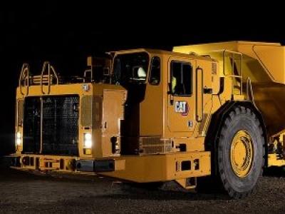 Caterpillar apresenta novo caminhão articulado subterrâneo AD63